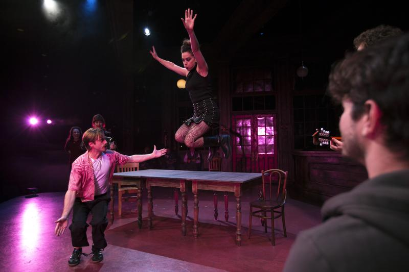 BWW Review: South Coast Repertory Raises Hopeful, Exquisite New Production of ONCE