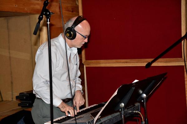 Larry Yurman (Keyboard)