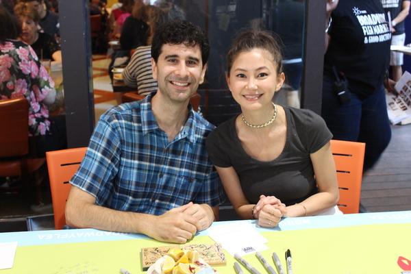John Cariani and Kimiko Glenn