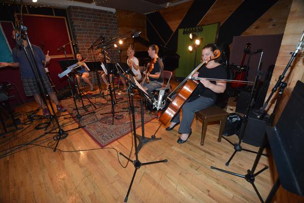 Brian Taylor, Suzy Perelman (Violin), Carla Fabiani (Violin), David Blinn (Viola), J.J. Johnson (Viola) and Katherine Cherbas (Cello)