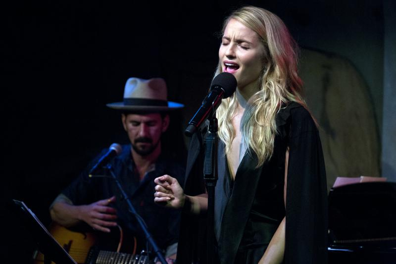 BWW Review: A Restrained Dianna Agron Explores a New Era in Her Cafe Carlyle Debut