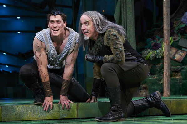 Oberon (actor, Nick Steen*) and Puck, or Robin Goodfellow,(actor, M.A. Taylor*) schem Photo