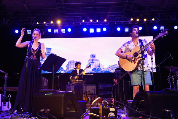 Ingrid Michaelson and Darren Criss