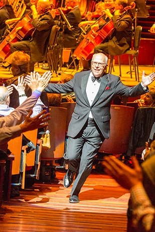"BWW REVIEW: An Interview With Philly Pops Own ""Rocky""- MAESTRO MICHAEL KRAJEWSKI at Kimmel Center"