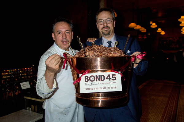 Photo Coverage: CHARLIE AND THE CHOCOLATE FACTORY Celebrates 200 Performances with a Mountain of Mousse!