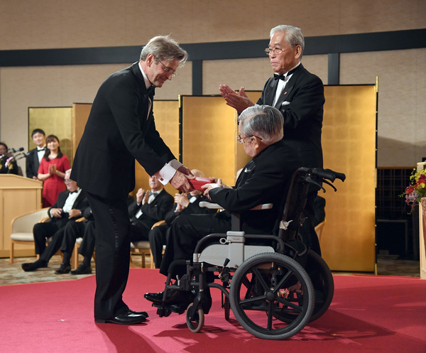 Photo Flash: Mikhail Baryshnikov Honored by Japan's Prince Hitachi
