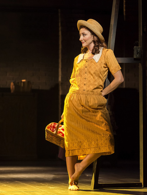 EXCLUSIVE: First Look at Carmen Cusack and Company in BRIGHT STAR Onstage in Los Angeles