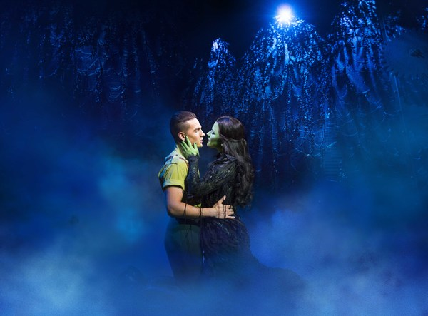 Aaron Sidwell and Amy Ross Photo