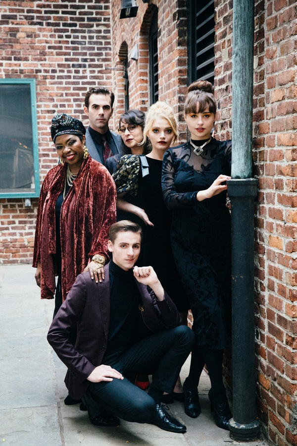 Daniel Light; Richarda Abrams, Eliza Shea, Olivia Nice; Gregory Jensen, Tamara Geisler