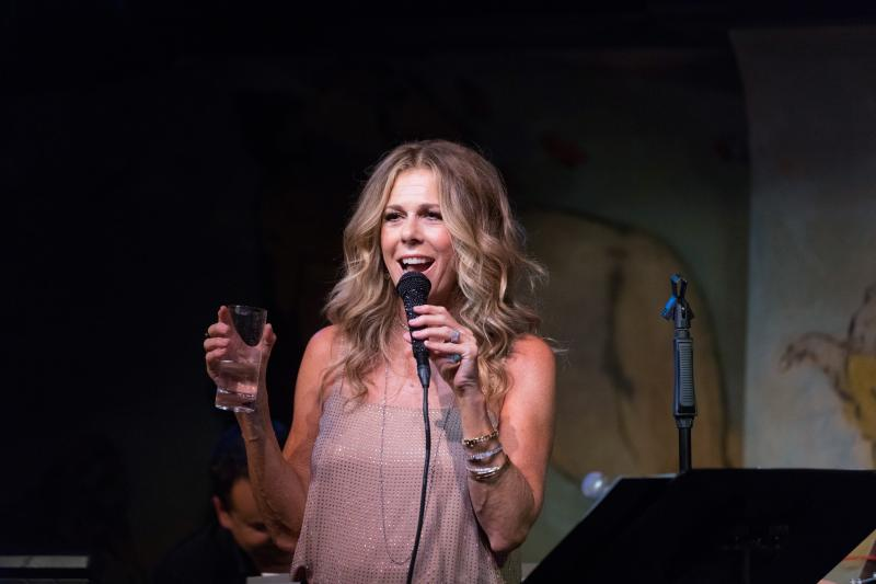 BWW Review: Rita Wilson Sings a Song for Everyone In Her Return To Café Carlyle