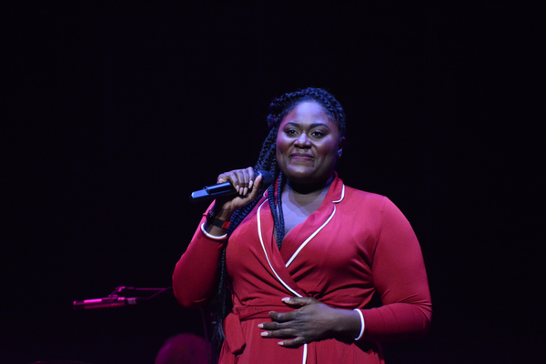 Photos: Broadway Sings for Foster Kids at VOICES FOR THE VOICELESS