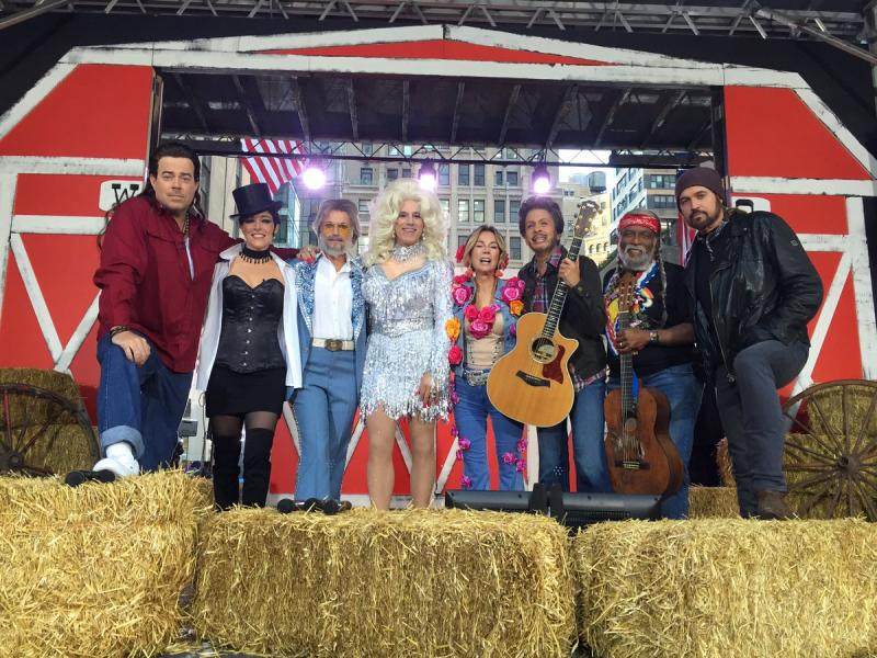 Halloween Roundup Check Out the Costumes From Your Favorite Hosts of TODAY GMA u0026 More!  sc 1 st  Broadway World & Halloween Roundup: Check Out the Costumes From Your Favorite Hosts ...