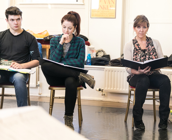 Photo Flash: In Rehearsals with Chris Peluso, Anna O'Brynne, and Cast of THE WOMAN IN WHITE