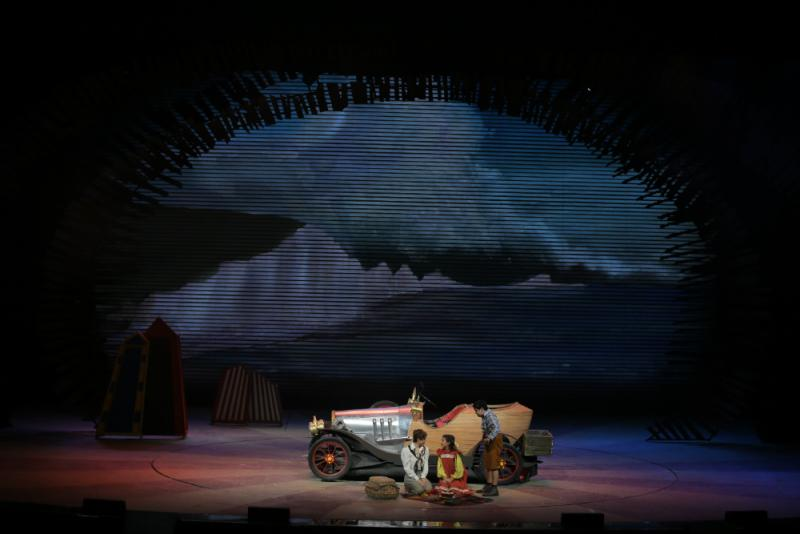 BWW Review: CHITTY CHITTY BANG BANG Dazzles and Charms!