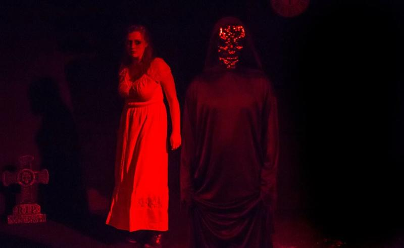 BWW Review: MIDNIGHT DREARY Brings the Terrifying Tales of Edgar Allan Poe to Theatre Downtown.