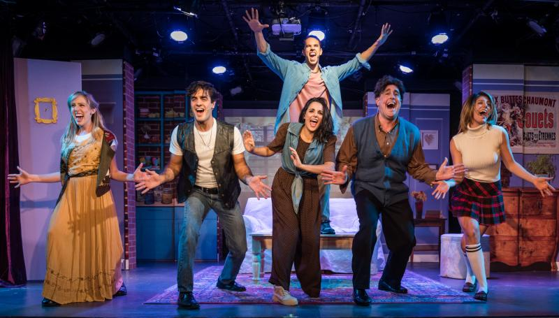 BWW Review: FRIENDS! THE MUSICAL PARODY Cleverly and Lovingly Pokes Fun at the Iconic Sitcom