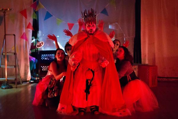 Jonas Budris as King Chrononhotonthologos with Floating Chorus: Aliana de la Guardia, Photo