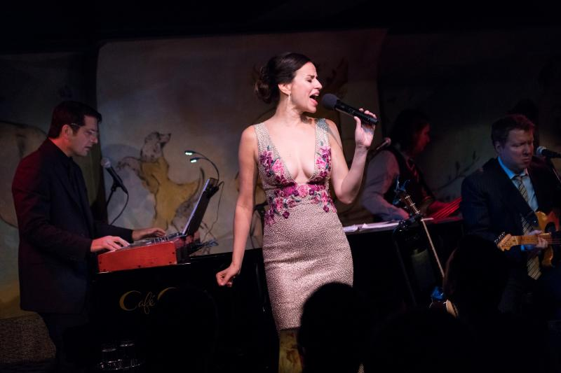 BWW Review: Mandy Gonzalez Is Phenomenal and FEARLESS in Her Cafe Carlyle Debut