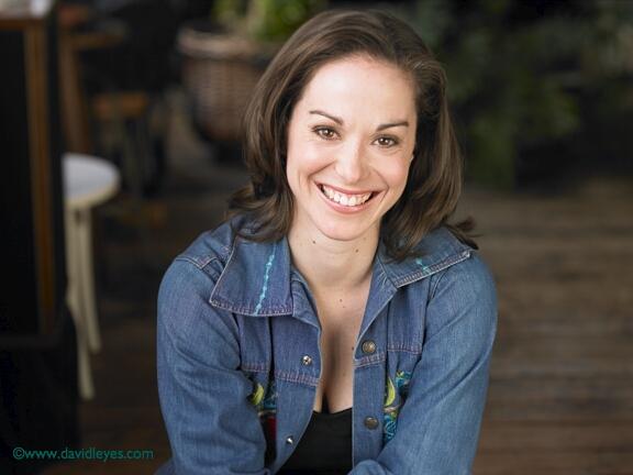Stephanie Graham Photo