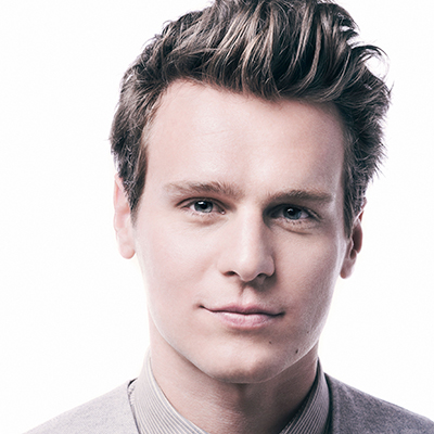 Jonathan Groff Photo