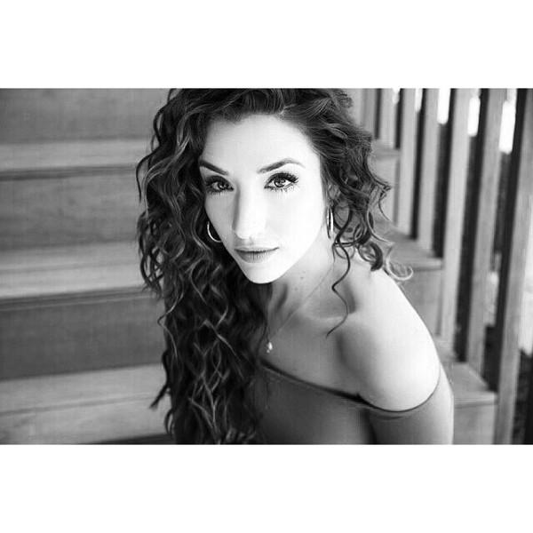Ashley Loren Photo