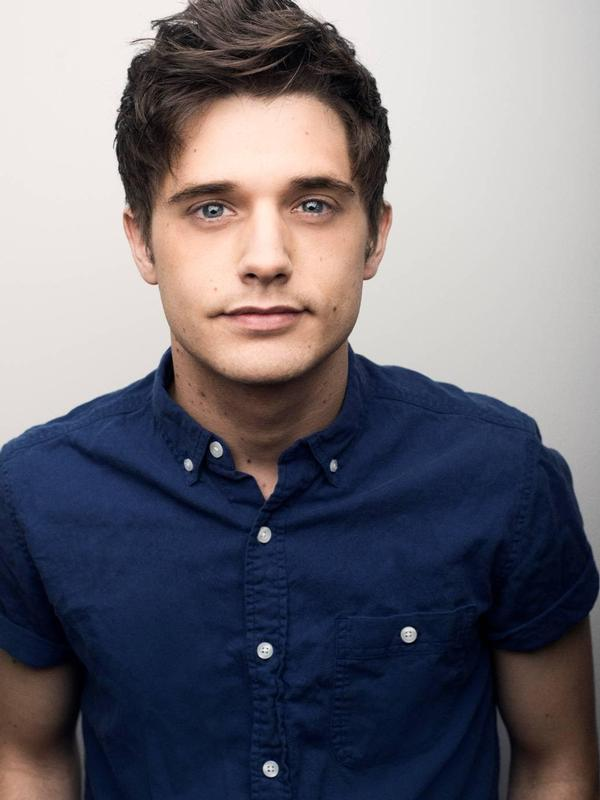 Andy Mientus Photo