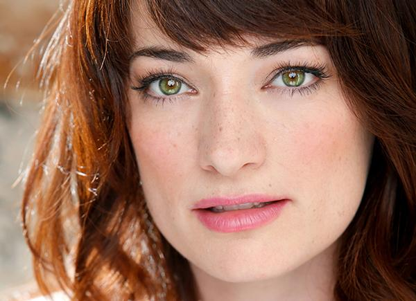 Laura Michelle Kelly Photo