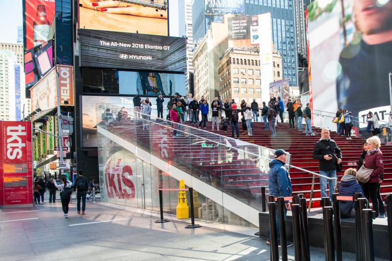 When to Buy Tickets to a Broadway Show