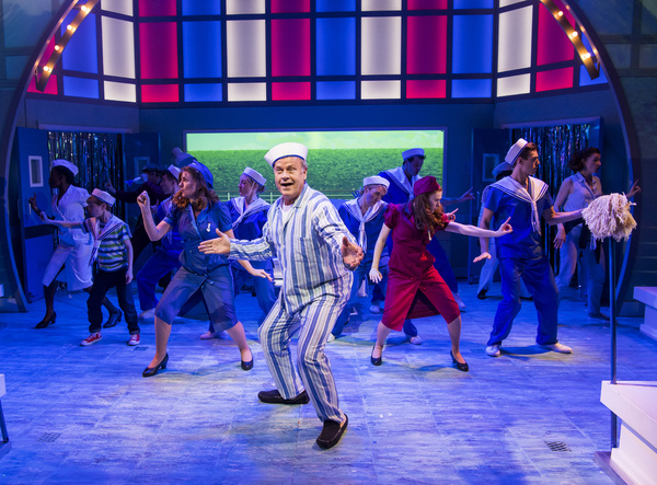 Photo Flash: First Look at BIG FISH Starring Kelsey Grammer at the Other Palace