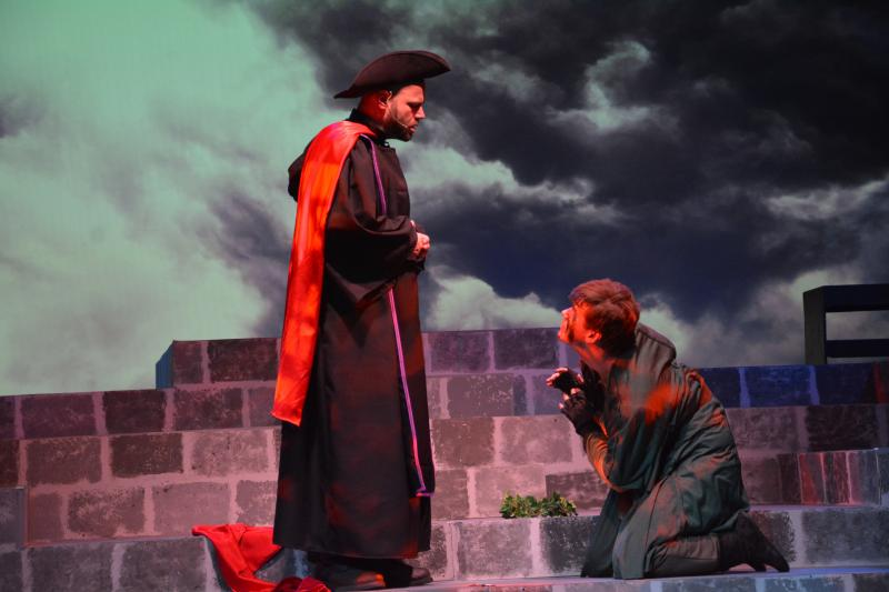 BWW Review: Circle Players' Sweeping and Epic HUNCHBACK OF NOTRE DAME