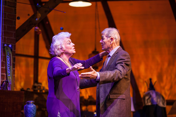 Tyne Daly and Robert Forster