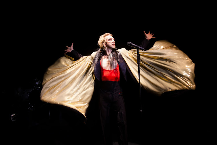 BWW Review: Sven Ratzke Weaves a Web In The Captivating HOMME FATALE at Joe's Pub
