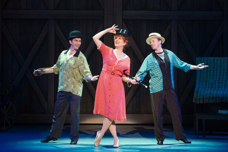 BWW Review: Irving Berlin's White Christmas National Tour