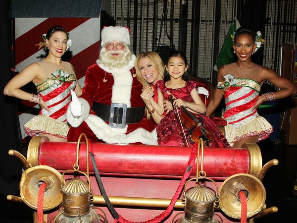 Alison Jantzie, Santa Clause, Jill Martin, Zoe Nguyen and Jacie Scott Photo