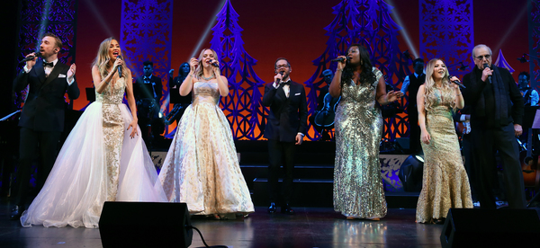 Photo Flash: Get in the Spirit with a First Look at HOME FOR THE HOLIDAYS on Broadway