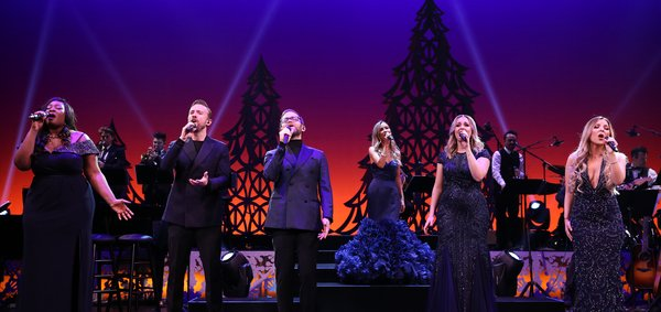 BWW Morning Brief November 22th, 2017: JERSEY BOYS Begins Previews, Barbra Streisand on Netflix, and More!