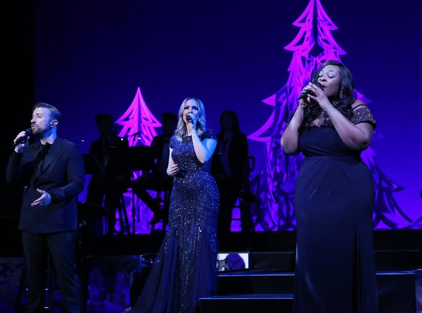 BWW Review:  HOME FOR THE HOLIDAYS Is Like Walking In A Melisma Wonderland