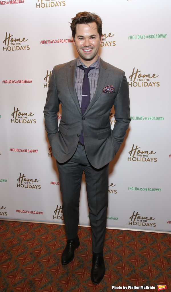 Photo Coverage: On the Opening Night Red Carpet for HOME FOR THE HOLIDAYS!