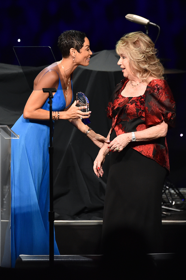 Nicole Murphy presented the inaugural Gebbia Family Legacy Award to Gloria Gebbia, President of the Associates for Breast and Prostate Cancer Studies, for her more than 20 years of dedication to the organization.