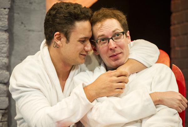 Juan Arturo (as Rafa), Olli Haaskivi (as Peter Gil)