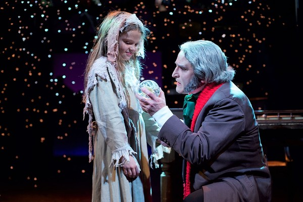 Photo Flash: First Look at Theatre Three's A CHRISTMAS CAROL