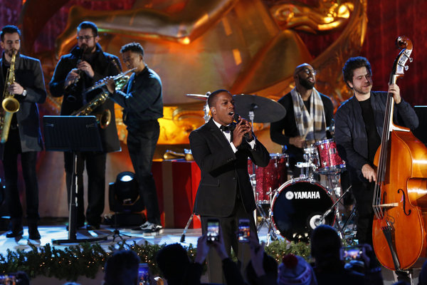 CHRISTMAS IN ROCKEFELLER CENTER -- Pictured: Leslie Odom Jr. performs during the 2017 Christmas In Rockefeller Center  -- (Photo by: Eric Liebowitz/NBC)