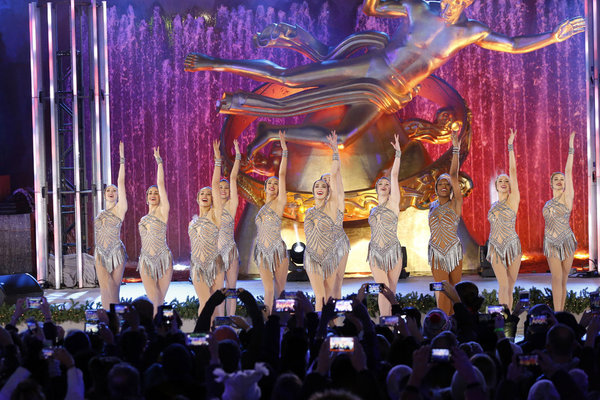 CHRISTMAS IN ROCKEFELLER CENTER -- Pictured: The Rockettes perform during the 2017 Christmas In Rockefeller Center  -- (Photo by: Eric Liebowitz/NBC)