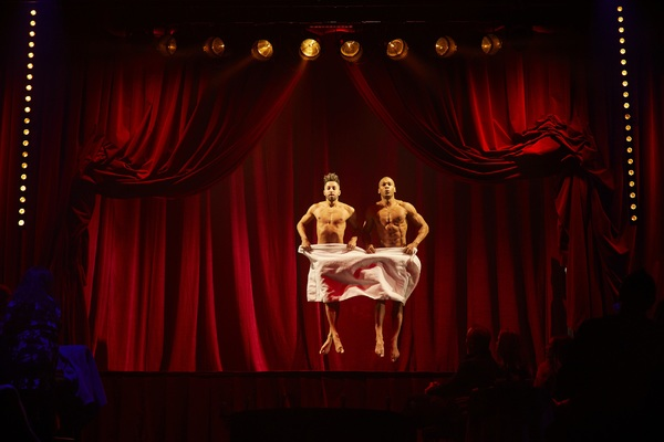 THE TOWEL ACT - LA SERVIETTE featuring Leon Fagbemi and LJ Marles