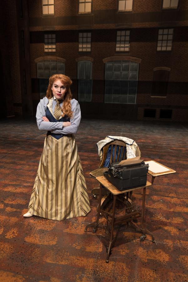 Nadia Vynn as Katherine