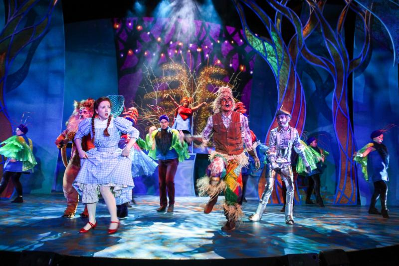 BWW Review: THE WIZARD OF OZ is an Astonishing Acrobatic Adventure at Syracuse Stage