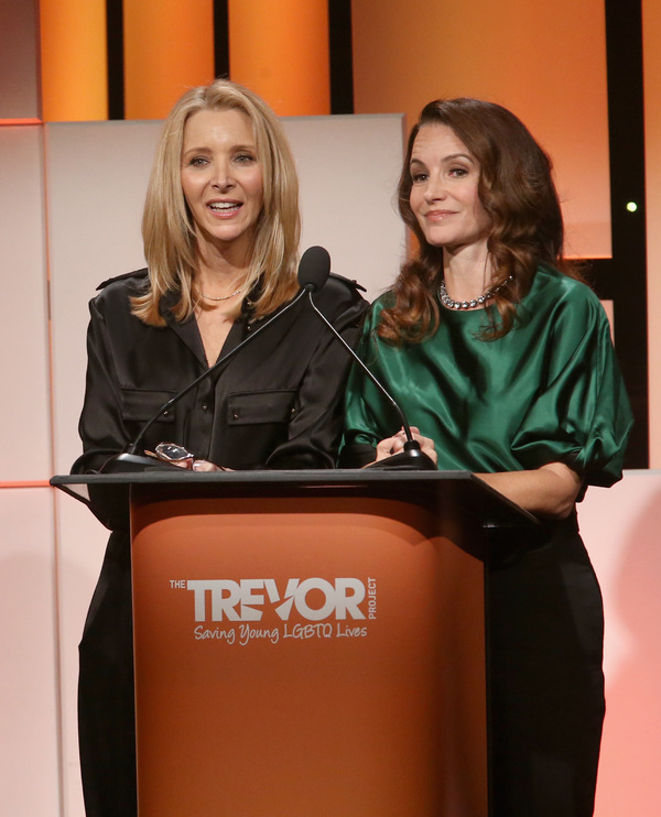 Lisa Kudrow and Kristin Davis