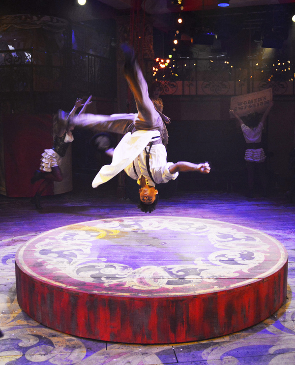 Photo Flash: First Look at BARNUM at Menier Chocolate Factory