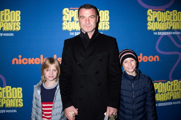 Liev Schreiber and his children