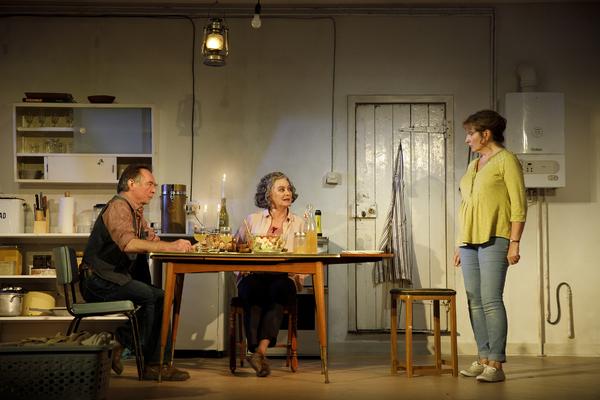 The Children Production Photo - Ron Cook, Francesca Annis and Deborah Findlay